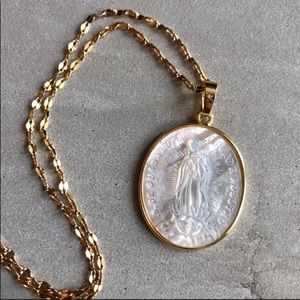 Jewelry - ✨🌟Mother Mary Mother of Pearl Pendant Necklace✨